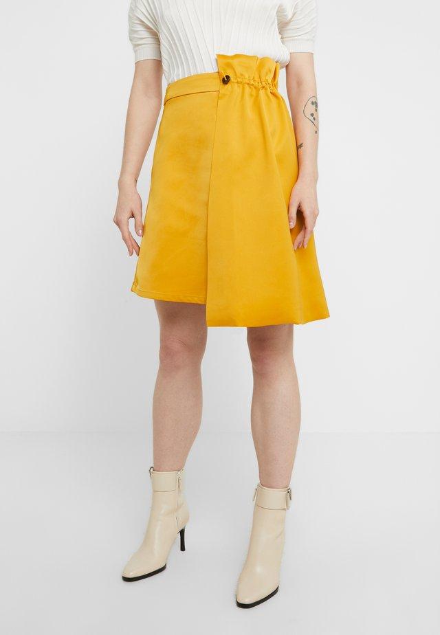 BASALT - Minirock - yellow