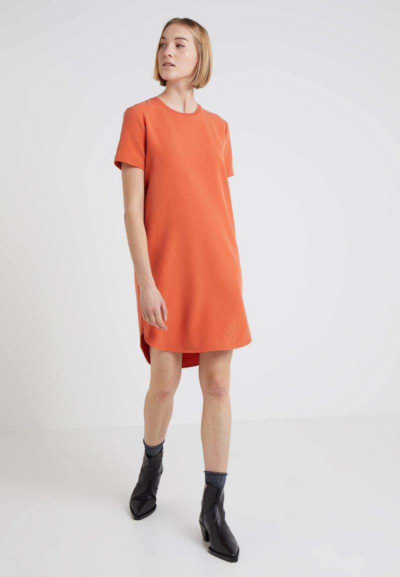 Holzweiler - HAPPY DRESS - Robe d'été - mecca orange
