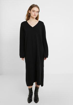 RABBIT - Strikket kjole - black
