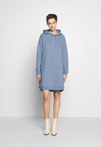 Holzweiler - HANG WIDE - Day dress - bleu - 1