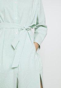 Holzweiler - SEFFERN DRESS - Skjortekjole - light green - 6