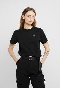 Holzweiler - SUZANA TEE - T-shirt basique - black - 0