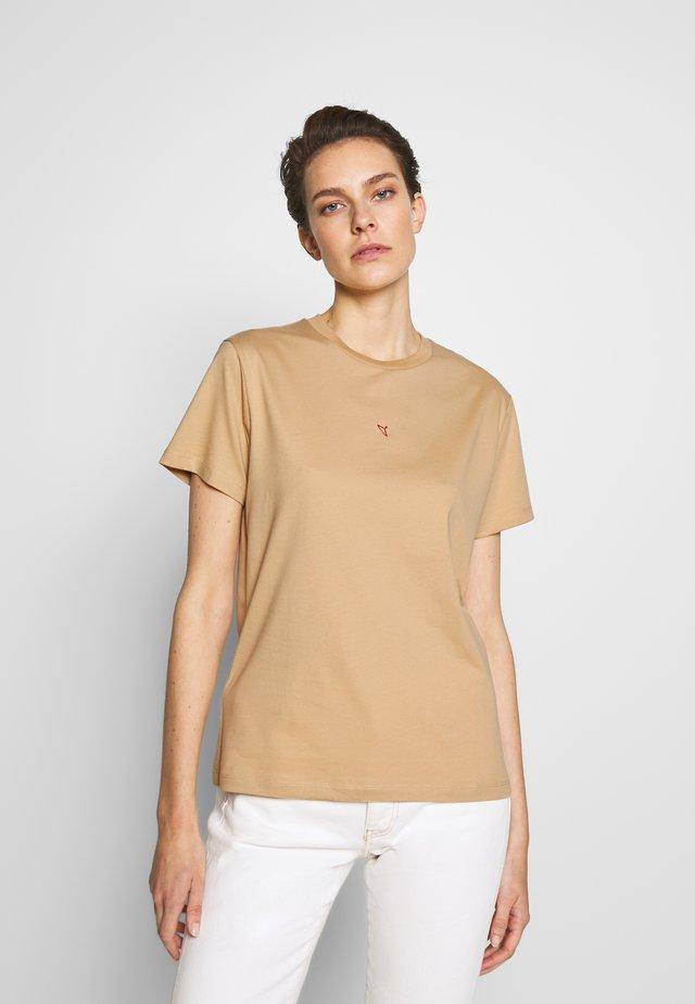 SUZANA TEE  - T-shirt - bas - sand