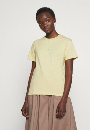 SUZANA TEE  - Basic T-shirt - yellow