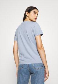 Holzweiler - SUZANA TEE - Basic T-shirt - vintage light blue - 2