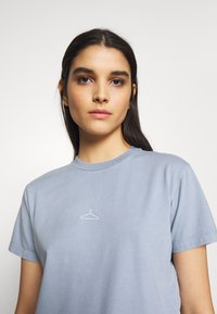 Holzweiler - SUZANA TEE - Basic T-shirt - vintage light blue - 4