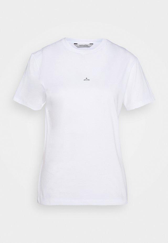 SUZANA TEE - T-shirts - white