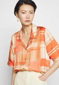 Holzweiler - BOGIRL  - Button-down blouse - orange - 5