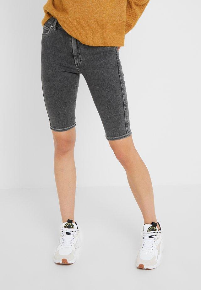 SELA SHORTS - Jeans Shorts - black