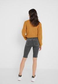 Holzweiler - SELA SHORTS - Shorts - black - 2