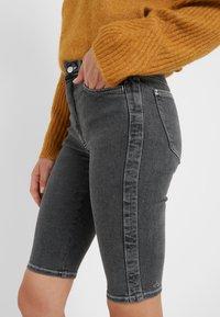 Holzweiler - SELA SHORTS - Shorts - black - 3