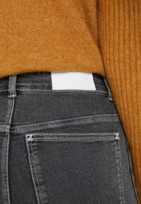 Holzweiler - SELA SHORTS - Shorts - black - 5