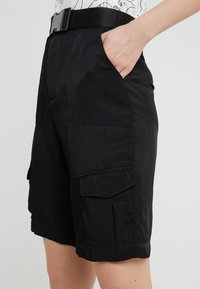 Holzweiler - FROJA - Shorts - black washed - 3