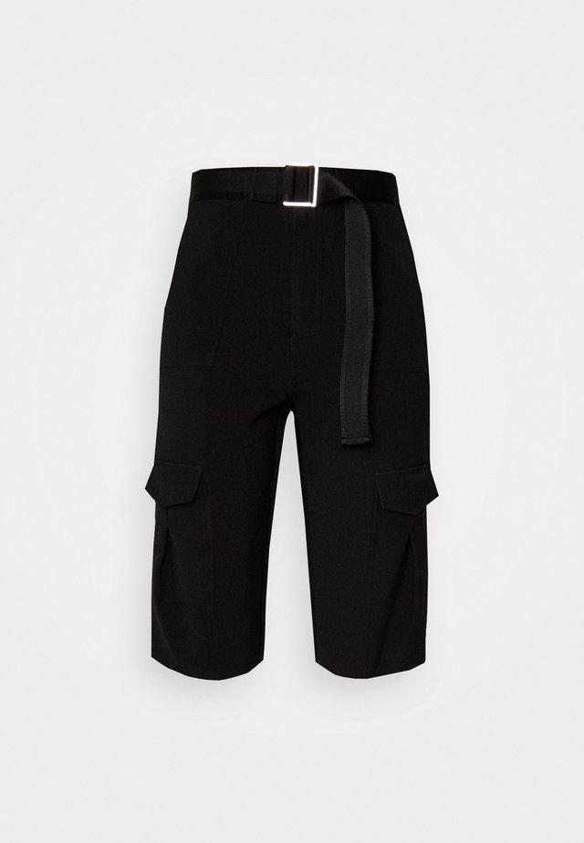 OTER SHORTS - Shorts - black