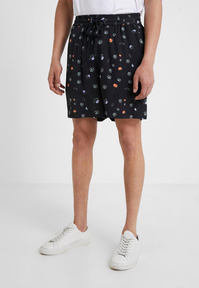 Holzweiler - BOB PRINT SHORTS - Shorts - black