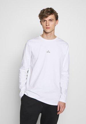 HANGER LONGSLEEVE - Langærmede T-shirts - white