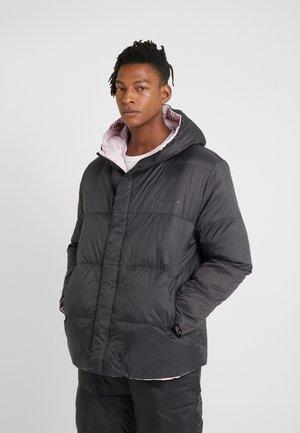 DEW PARLA - Kabát zprachového peří - black/pink