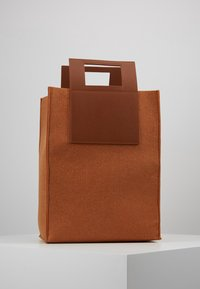 Holzweiler - CARRY BIG BAG - Tote bag - camel - 2