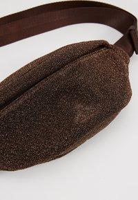 Holzweiler - SPARROW BAG - Across body bag - cobber - 6