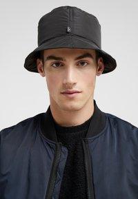 Holzweiler - BUCKET HAT MATTE - Hat - black - 1