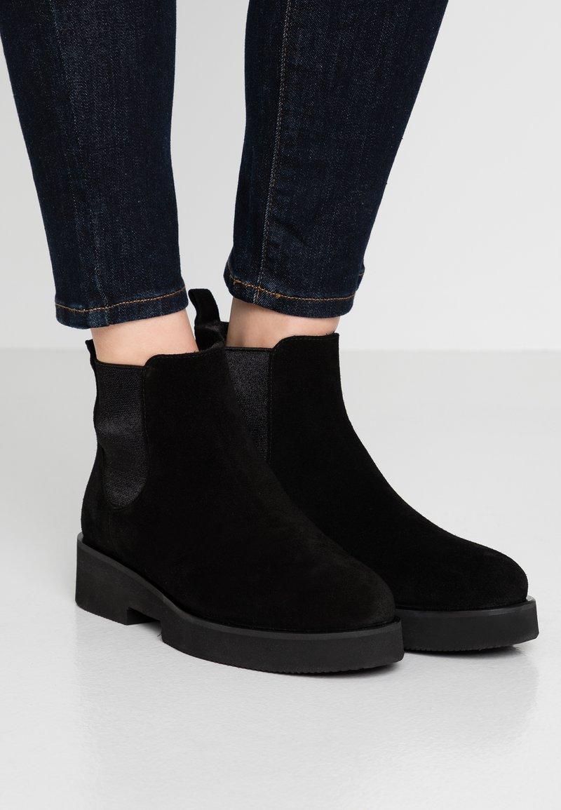Homers - PRINCE - Platform ankle boots - black