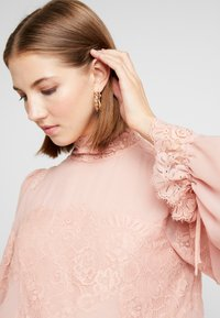 We are HAH - QUEEN A DAY DRESS - Robe de soirée - copper/rose - 5