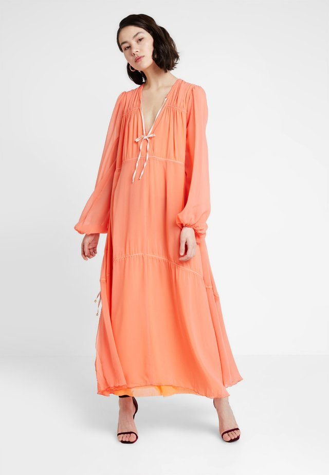 LOVIN' LINDHAH DRESS - Maxi dress - coral beach combo