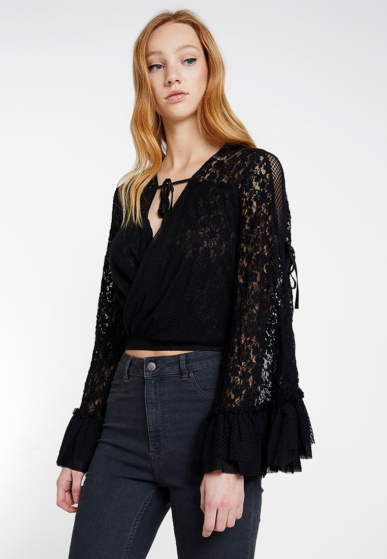We are HAH - KIM ON - Blusa - noir