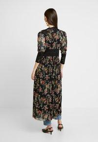 We are HAH - DUST HER DRESS - Chaqueta fina - noir - 2