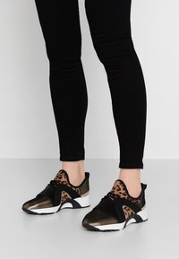 Hot Soles - Sneakers - gold - 0