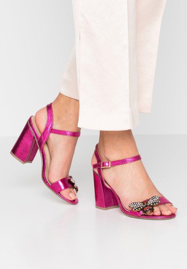 Sandaletter - pink