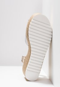Hot Soles - High heeled sandals - white - 6