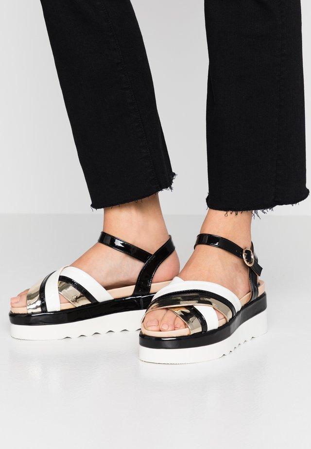 Sandały na platformie - gold/black