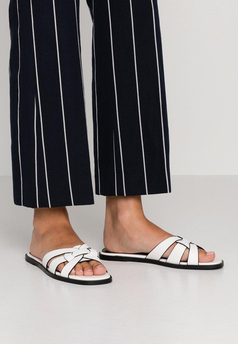 Hot Soles - Pantolette flach - white
