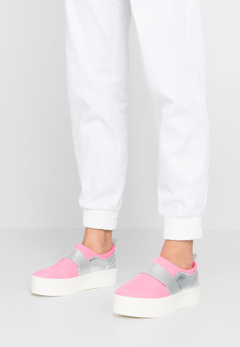 Hot Soles - Loafers - pink neon/silver