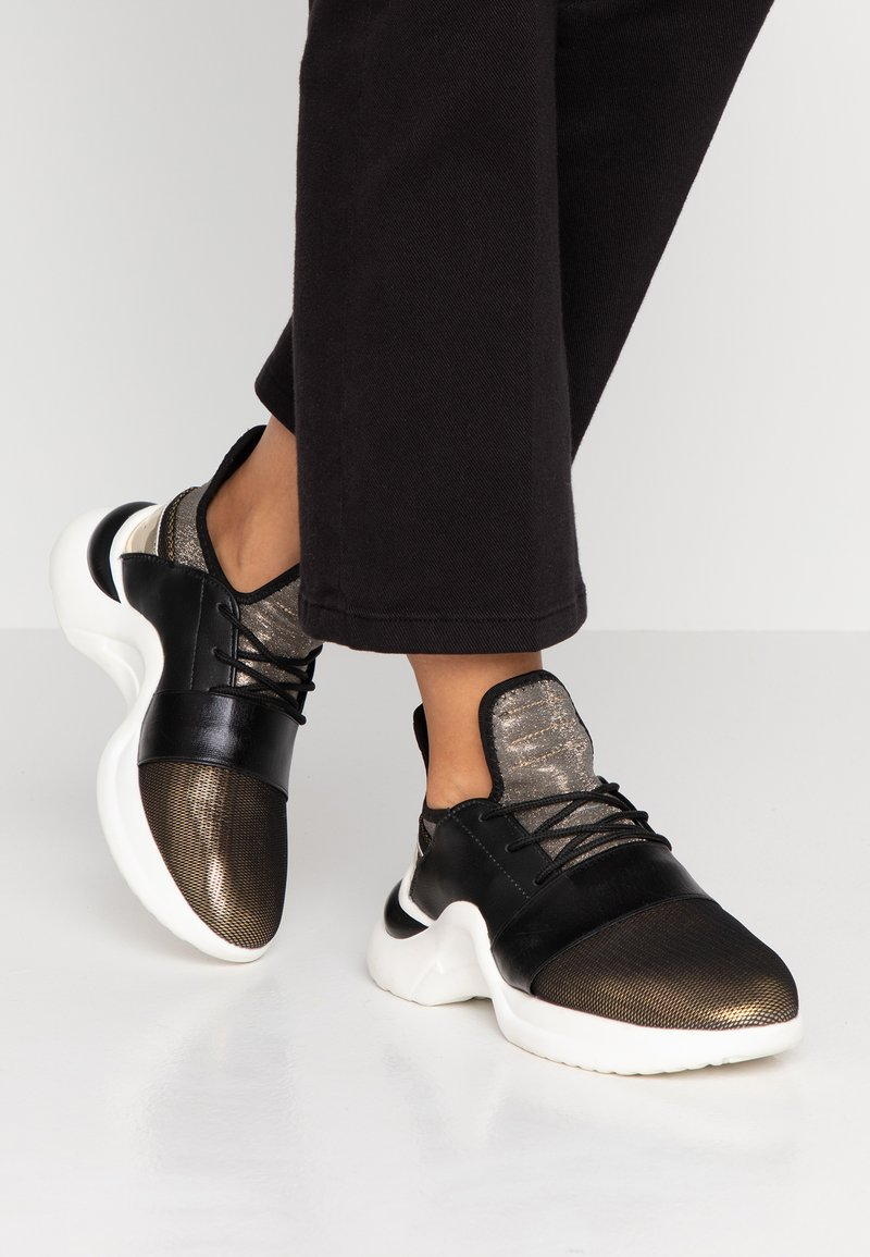 Hot Soles - Sneakers - gold
