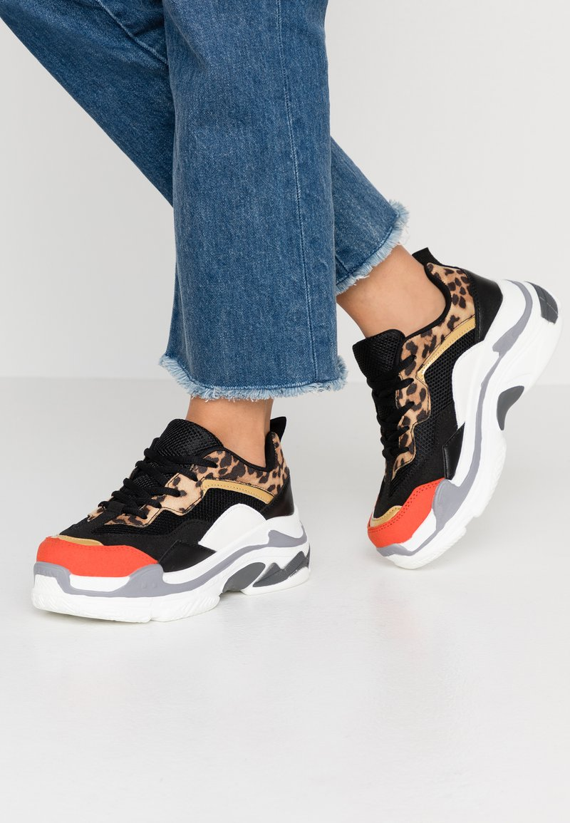 Hot Soles - Sneakers - brown