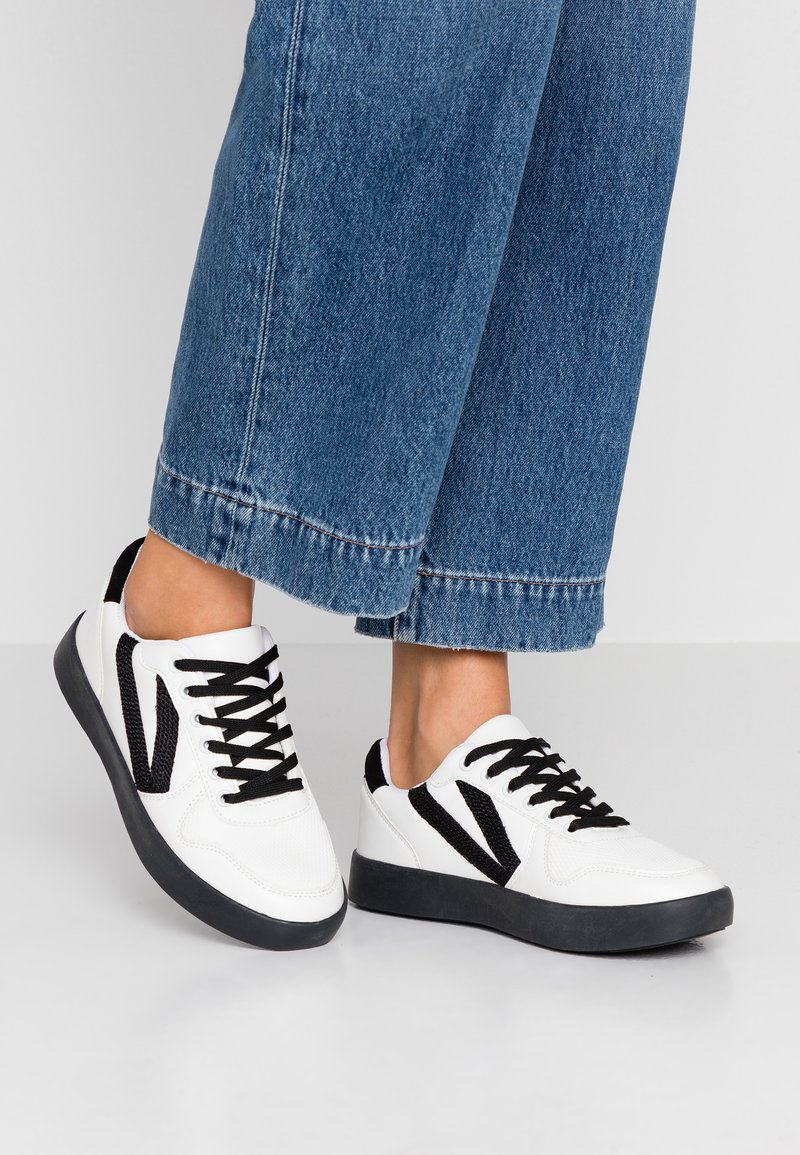 Hot Soles - Sneakers - white/black