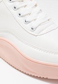 Hot Soles - Matalavartiset tennarit - white/pink - 2