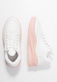 Hot Soles - Matalavartiset tennarit - white/pink - 3
