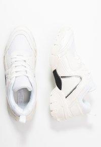 Hot Soles - Sneakersy niskie - white - 3