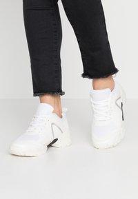 Hot Soles - Sneakersy niskie - white - 0