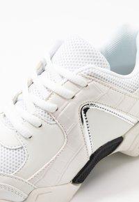 Hot Soles - Sneakersy niskie - white - 2