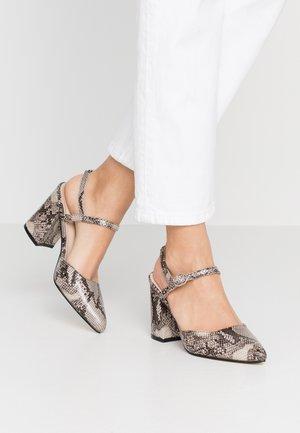Zapatos altos - natural