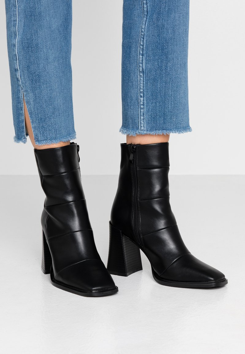 Hot Soles - High heeled ankle boots - black