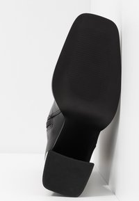 Hot Soles - High heeled ankle boots - black - 6