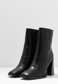 Hot Soles - High heeled ankle boots - black - 4