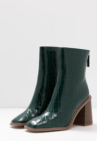 Hot Soles - High heeled ankle boots - dark green - 4