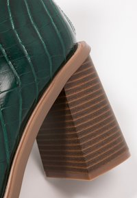 Hot Soles - High heeled ankle boots - dark green - 2