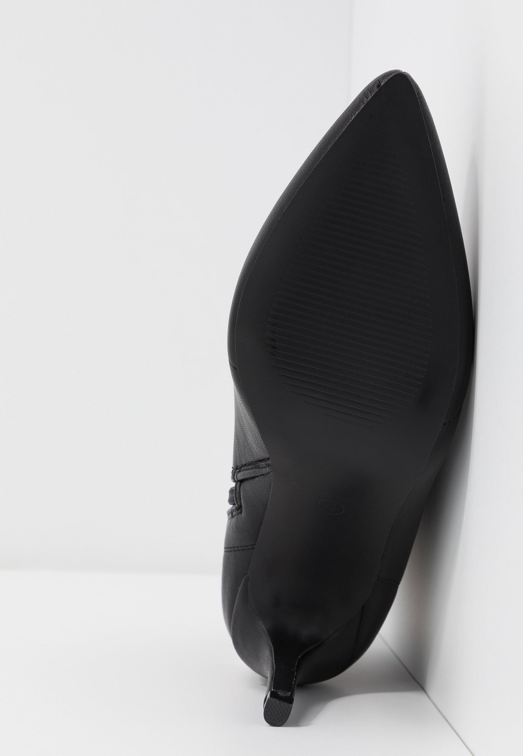 Hot Soles Snørestøvletter - black